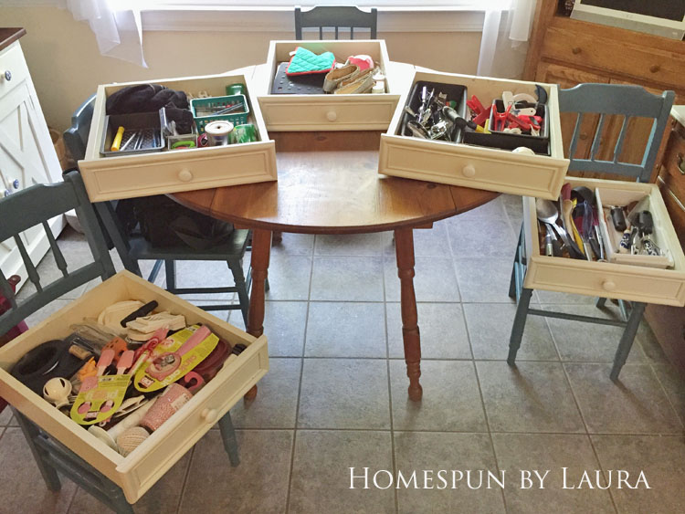 30 Projects in 30 Days | Organize the kitchen drawers | Homespun by Laura